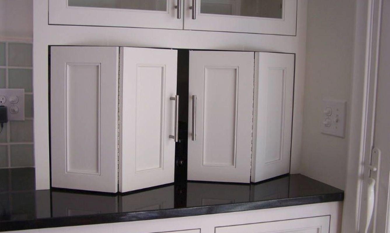 Accordion cabinet doors